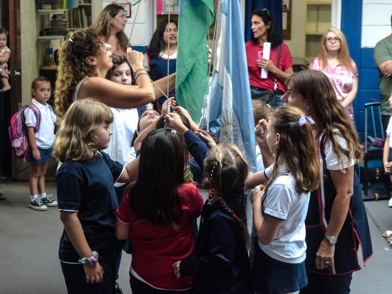 Izando la Bandera en Educación Primaria